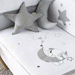 Pirulos Luna Bonito Conjunto Edredón + Protector/Chichonera + Cojín para Maxi Cuna Bebé de 70x140 cm, Color Blanco y Gris 15